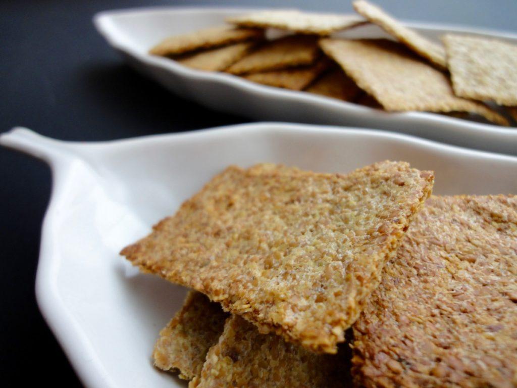 Làm bánh mỳ hạt lanh bằng lò vi sóng thật dễ! Hãy gọi 0966004640 để mua bột lanh ngay hôm nay!